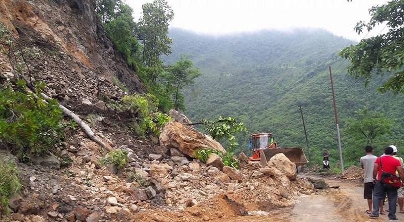 हेटौँडाको त्रिभुवन राजपथमा यातायात सुचारु
