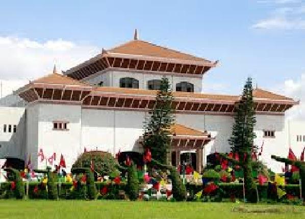 सुरु भयो संसद बैठक, एमाले अध्यक्ष ओली बोल्दै